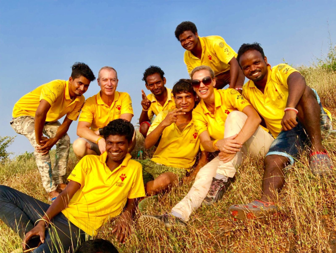 Team Leopard celebrating after a week of plenty of walking, netting, and vaccinating.